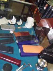 Accessories-showcase-at-olde-towne-tobannonist